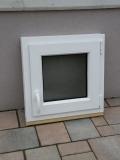 Okno biele, š 550 x v 550 mm otváravo- sklopné (OS) so sklom DKČ (dubová kôra číra) cena 63€ s DPH.