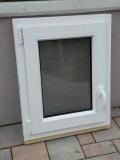 Okno biele, š 550 x v 700 mm otváravo- sklopné (OS) s čírym sklom cena 63€