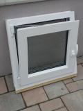 Okno biele, š 600 x v 600 mm otváravo- sklopné (OS) so sklom DKČ (dubová kôra číra) - funkcia sklopné.