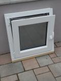 Okno biele, š 600 x v 600 mm otváravo- sklopné (OS) s čírym sklom - funkcia sklopné.