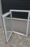Okno biele, š 900 x v 1200 mm otváravo- sklopné (OS) s čírym sklom - funkcia otvorené.