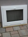 Okno biele, š 700 x v 550 mm sklopné (S) s čírym sklom za 55€